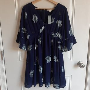 NWT Paper Crown Navy Margarey Floral Dress Size MP